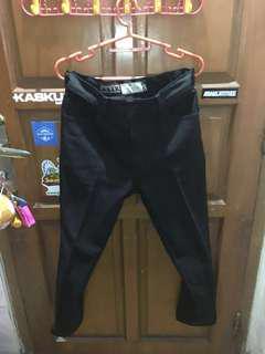 Lea Jeans Item - Size 32
