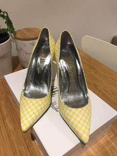 Brand new yellow heels - size 37