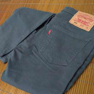 🚚 Levi's 女 窄版修身牛仔褲 25腰 深灰 微彈