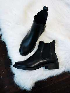 H&M black flats leather boots