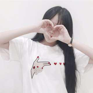 BN instock Embroidered Finger Gun Hearts T Shirt
