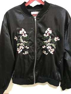 [WTS]Embroidery Bomber Jacket