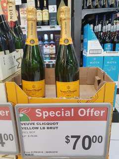 🚚 Vevue Clicquot Champagne Yellow LB Brut, 75CL Bottle