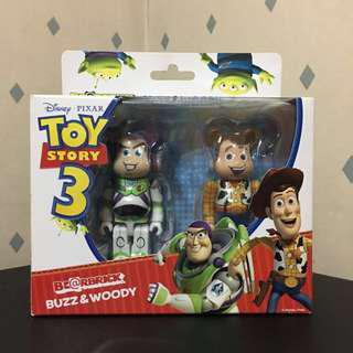 Bearbrick 100% Toy Story 玩具總動員 Woody Buzz 胡迪 巴斯光年 Bear Be@rbrick Toy Figure Art Brand Design Rabbrick R@bbrick Nyabrick Ny@brick 模型 擺設 收藏品 名牌 玩具 禮物 生日禮物