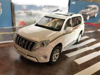 🚚 Toyota Prado Land Cruiser LC150 1:32 Toy model with led headlight and engine sound