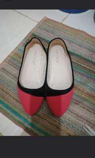 Laviola sepatu