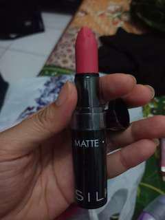 Lipstik silk girl