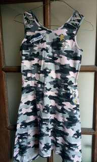 Dress motif armi