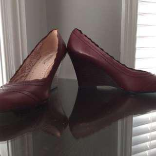 Leather Wedge Size 6