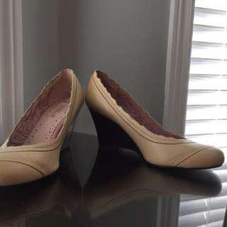 Leather Wedge-Size 6