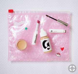 歐美blogger 熱推品牌Glossier 防水化妝包連貼紙