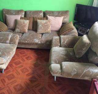 RUSH!! Big Sala sofa set!