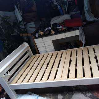Solid wood bed frame with outlet