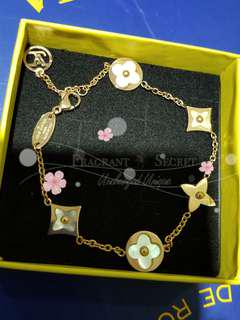 Louis Vuitton Mother of Pearl Rose Gold Blossom Bracelet玫瑰金珍珠貝母四葉草手鏈