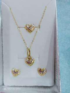 18k Saudi Gold Heart Set