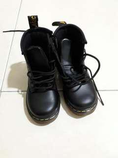 Dr martens boot for kid