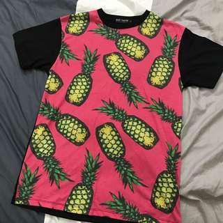 🚚 滿版熱帶鳳梨圖紋🍍撞色 水果 長板T 短T T恤 上衣 男女皆宜 中性衣