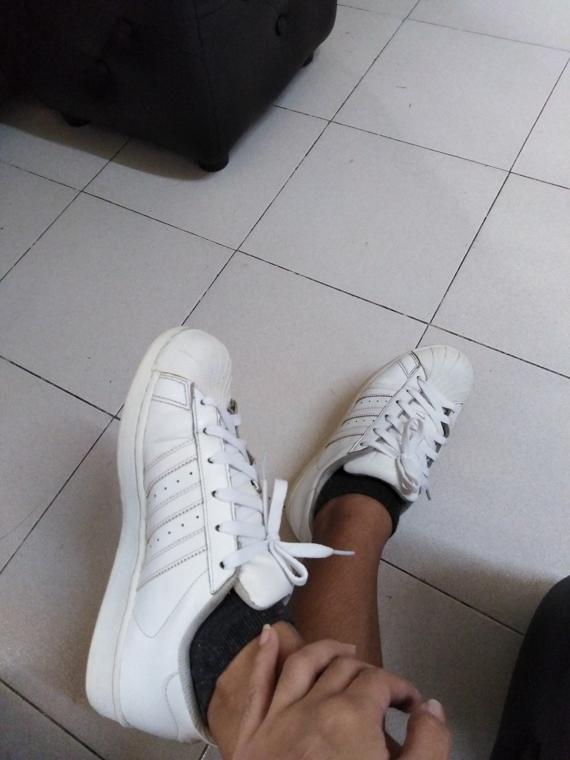 AUTHENTIC ADIDAS SUPERSTAR TRIPLE WHITE