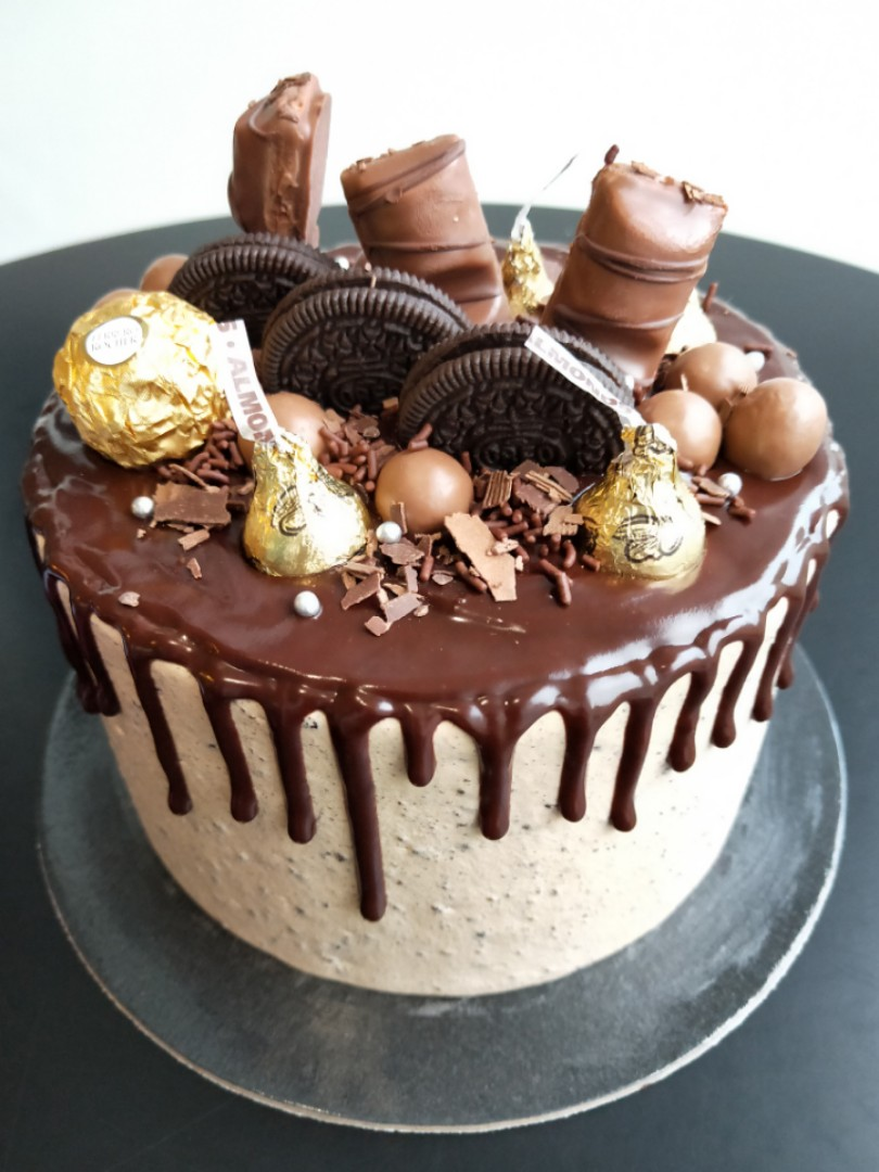 OFFER Oreo Chocolate Birthday Cake Food Drinks Baked Goods On
