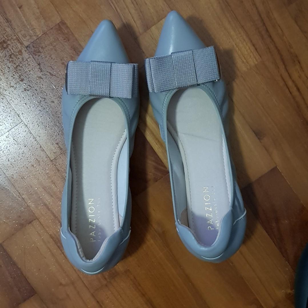 a09495306fa60 Home · Women s Fashion · Shoes · Flats   Sandals. photo photo photo