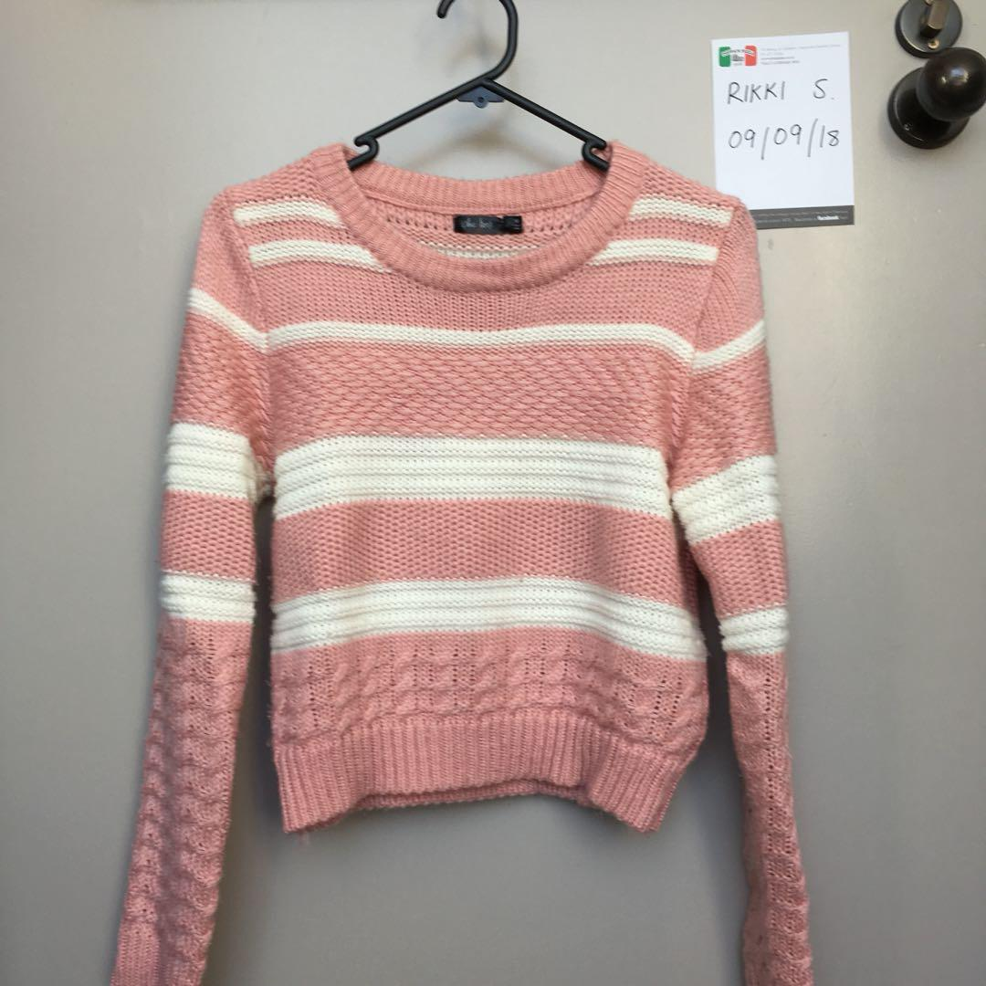 Pink and white knit sweater || size M