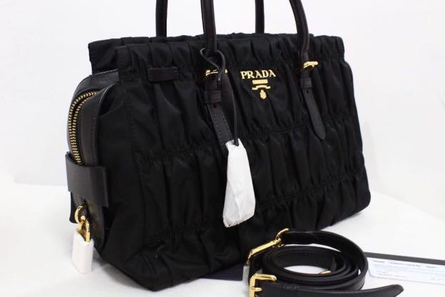 b083d35185e996 ... reduced prada nylon tessuto gaufre in nero preloved womens fashion bags  wallets on carousell 830e4 b2aea