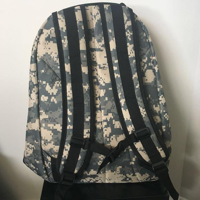 UNISEX ARMY BACKPACK