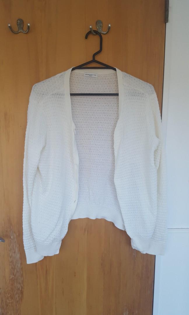 Cute White/ light beige cardigan