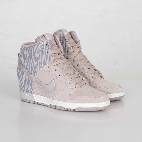 new concept 40a34 3b93c Womens Nike Dunk Sky Hi Print, Women s Fashion, Shoes, Sneakers on ...