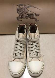 🚚 [專櫃正品]經典BURBERRY帆布鞋✨折讓價3500✨