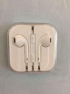 Apple earphones (Original from iPhone)