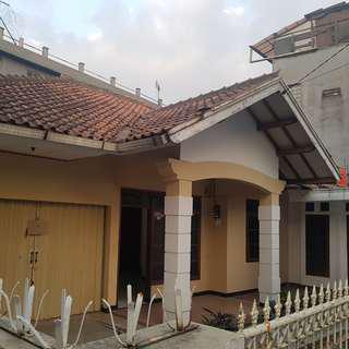 Disewakan Rumah Asri di Daerah Ciheulang, Sekeloa, Bandung (DEKAT ITB DAN UNPAD)