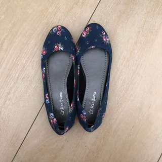 Flat shoes navy blue flower pattern bunga