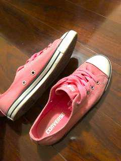 Pink converse size 6 authentic