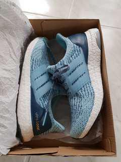 Adidas Womans Ultra Boost US 6-7 Almost new as worn once.Wrong size for me