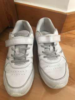 Dr Kong 白波鞋
