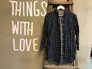 🚚 Used 小日本棉柔材質深藍格紋長版襯衫