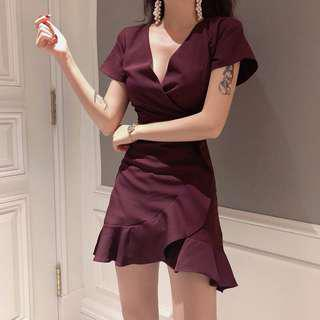🚚 Wine Red Dress with Ruffled Hem