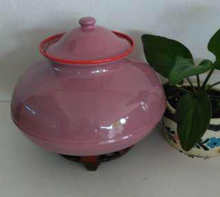 Enamel curry pot