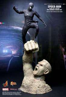 Hot Toys Black Suit Spiderman with Sandman Diorama