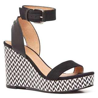 Witchery Pippa wedges size 6