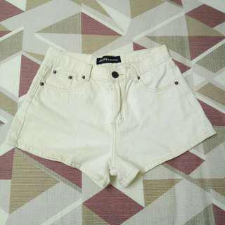🚚 Queen shop 牛仔 白色 短褲