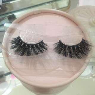 Luxury lashes