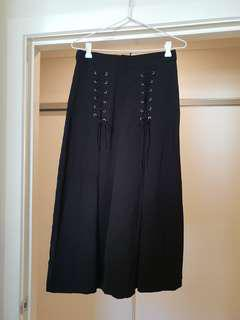 BNWT lace up black culottes