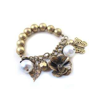 Ivy's Shop 艾薇小館 歐美系列 飾品 高質感 復古金 時尚 花朵 珍珠 蝴蝶 手鐲 手鍊 手環