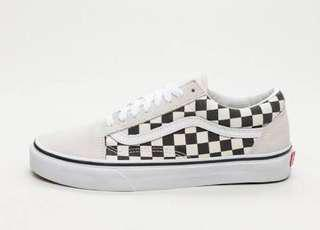 Looking for this kind of shoes - 1000(sure buyer)