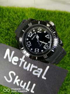 DIVER STYLE ANALOG WATCH