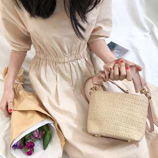🚚 轉賣👛 超可愛 異材質拼接 草編X皮質 嫩粉 小包 手提包 斜背包 附背帶 草包 編織包