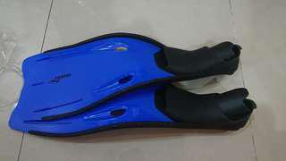 Diving Fins or Snorkelling Kits