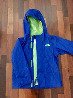 North Face Water Resistsnt windbreaker. Tag says 4yo but fits 4-6yo #50under #UNDER90